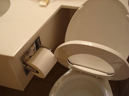 Plumbering-Roll-Blocks-Toilet-Seat