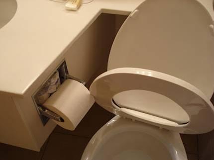 Plumbering-Roll-Blocks-Toilet-Seat